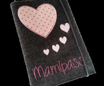 ♥♥ Mutterpasshülle aus Filz ♥♥ bestickt mit Aufschrift Manipass