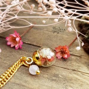 Mini Blumenkugel mit Rosenquarz - Glaskugelschmuck - Brautjungfer - Blumenmädchen