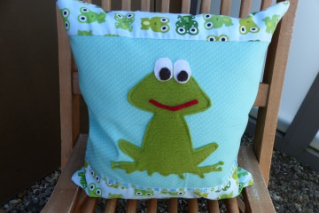 ♡ Kinderkissen  ♡ Frosch ♡ Handgemchtes Kissen mit Reissverschluß  Name möglich