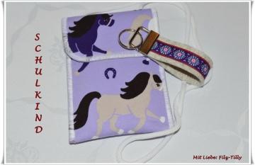 Set aus Brustbeutel & Schlüsselanhänger / Pferde auf flieder  (Kopie id: 50436)