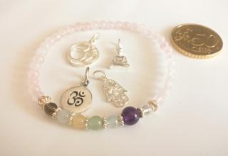 Handmade Yoga-/Chakra-Armband Rosenquarz - 6. Chakra - Stirn- oder drittes Auge-Chakra- aus Edelsteinen