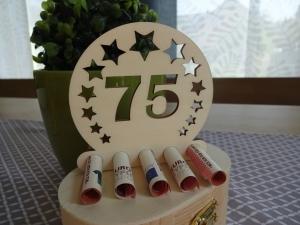 Geldgeschenk / Geldhalter 75. Geburtstag Holz