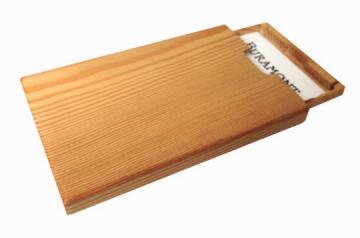 Visitenkartenetui Holz Lärche Mod.4 mit Gravur