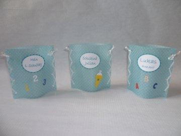 handgemachtes Windlicht Tischlicht zur Einschulung, 1. Schultag, Schulanfang,Tischdeko mit Namen und Datum in bleu mit weißen Punkten