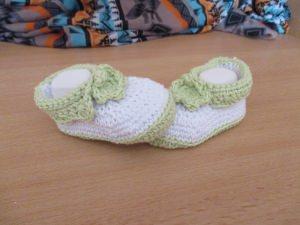 ★ - ☆ Babyschuhe limette-weiß Baumwolle Fuss ca. 12 cm oder ca. Gr. 18/19 ★ - ☆