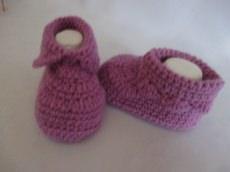 ♥ - ♡ - Babyschuhe selfmade hell lila violett mit Merino ca. 10,5 cm Fuss ca. Gr. 16/17