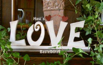 Romantischer Hochzeits-Schriftzug ♡ LOVE ♡ aus Holz, weiß, im Shabby-Chic - Handarbeit kaufen
