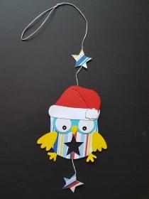 handgefertigtes Fensterbild / Mobile aus Tonkarton: weihnachtsliche Eulen