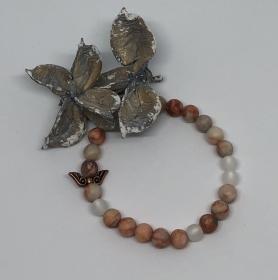 Handgemachtes Armband mit Natursteinperlen und wunderschönen Polaris Perlen  - Handarbeit kaufen