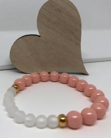 Armband aus Crystal Perlen in der Farbe Pink Coral und Polaris Perlen weiß