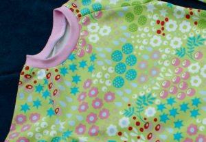 Kinderkleid  BLUMENWIESE  Gr.92 Baumwolle Jersey romantisch handgenäht Ballonkleid hellgrün bunt