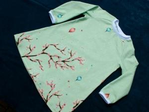 romantisches Kinderkleid BLÜTENZWEIGE Gr.92 hellgrün Bordüre Blumen Unikat Kirschblüten Schmetterlinge Ballons romantisch