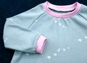 Baby - Kleid SCHWALBEN grau Gr.80 Baumwoll-Interlock  - Handarbeit kaufen
