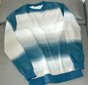 Männerpullover FARBVERLAUF 1 blau beige Gr. L Baumwolle French terry leger - Handarbeit kaufen