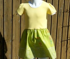 Mädchenkleid BLUMENBORTE  Gr.128 Baumwolljersey gelb Webstoff grün   - Handarbeit kaufen
