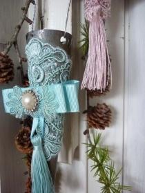 ###Tussie Mussie, Spitztüte aus Metall mit Pastell- Türkis Spitze###