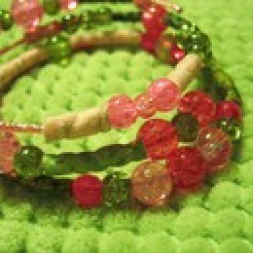 Armreif, romantisches Spiralarmband rosa-grün