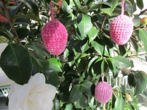 Osterei, umhäkelt, gehäkelt Pink-Himbeere - Handarbeit kaufen