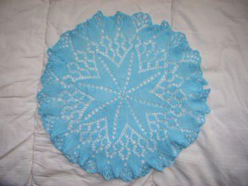 * Tischdecke * rund 31 cm hellblau für alle die Farben lieben   wunderschönes Muster   Deckchen