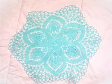 * sommerliche Tischdecke *  32 cm hellblau für alle die Farben lieben   wunderschönes Muster   Deckchen  bringt Farbe ins Leben