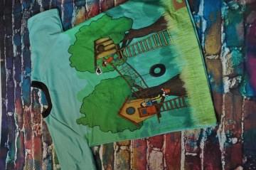 Kurzes T-Shirt mit tollem Baumhaus Muster