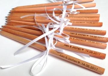 Gastgeschenk 50 gravierte Bleistifte mit Anhänger