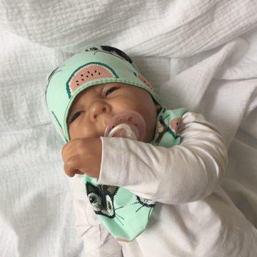 Neugeborenen Set *MELONE* mit Halstuch und Mützchen für Baby