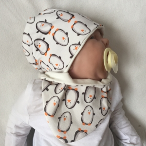 Zweiteiliges  NeugeborenenSet * PINGUIN *  Handarbeit von zimtbienchen Halstuch /Mützchen für Baby    - Handarbeit kaufen