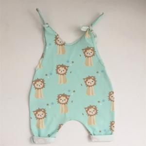Baby Kind Overall Jumper Romper  mit LÖWE aus BIO Baumwolljersey vom zimtbienchen für Jungen und Mädchen - Handarbeit kaufen