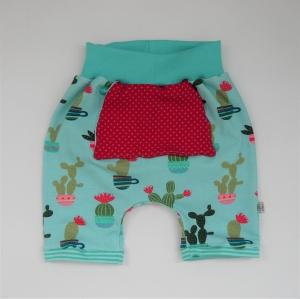 kurze Hose Shorts mit KAKTUSBLÜTE Handarbeit von zimtbienchen für Baby / Kind
