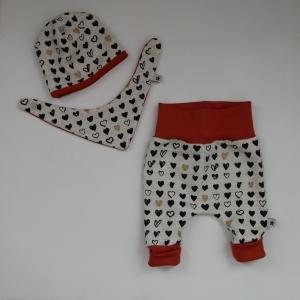 Neugeborenenset 3-teilig Wendebeanie, Halstuch, Pumphose HERZ für Baby und Kind von zimtbienchen