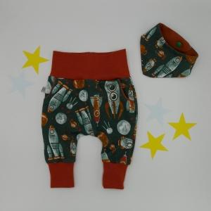 ASTRONAUT 2-teiliges Neugeborenenset  Halstuch und Pumphose für Baby von zimtbienchen  - Handarbeit kaufen