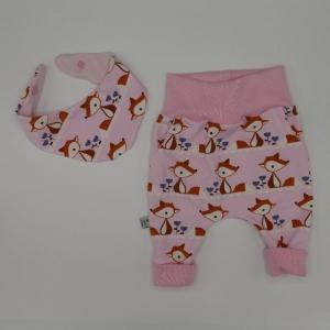 Neugeborenenset FOXI 2-teilig  Wendehalstuch Pumphose für Baby GRöße 56 von zimtbienchen   - Handarbeit kaufen