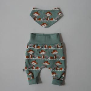 2 teiliges Set FOXI für Neugeborene Wendehalstuch Pumphose dustymint für Baby GRöße 56 von zimtbienchen    - Handarbeit kaufen