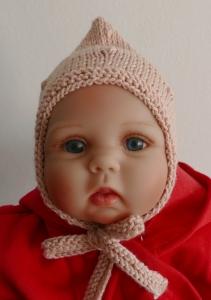 Handgestrickte Zwergenmütze für Babys rose