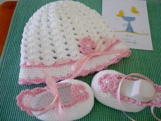 Taufset ,Babyset,Taufschuhe,gehäkelt,Babyartikel,Babykleidung,Taufkleidung,Taufmütze,Babyschuhe,Babymütze,TRAUM - PERLE weiß - rosa,