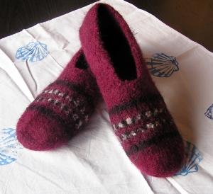 Hausschuhe strickgefilzt Gr. 41, pure Handarbeit gestrickt, gefilzt, auf Leisten geformt, gute Passform , eine Wohltat für Ihre Füße (Kopie id: 100104462) (Kopie id: 100104913) (Ko