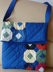 ♡ Tasche zum Umhängen mit aufklappbarer Lasche
