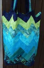 ♡ bequeme Tasche in Bargellotechnik zum Umhängen - Handarbeit kaufen