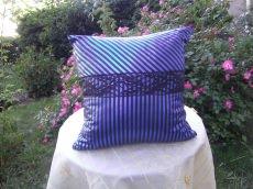 blau-schwarz-gestreiftes Kissen  Nr.2