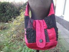 rot-schwarzer Patchworkbeutel