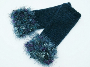 Armstulpen Pulswärmer Blautöne Wollemischung handgestrickt mit Kuschelrand - Handarbeit kaufen