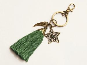 Schlüsselanhänger Taschenanhänger Glücksbringer Stern Flügel Quaste grün - Handarbeit kaufen