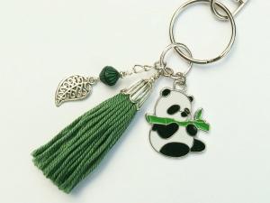 Schlüsselanhänger Taschenanhänger Panda emailliert Quaste grün - Handarbeit kaufen