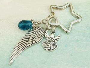 Schlüsselanhänger Taschenanhänger Glücksbringer Engel Flügel Tropfen petrolblau - Handarbeit kaufen
