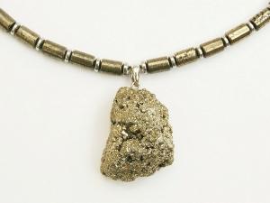 Halskette mit Anhänger roher Pyrit und Hämatit Linsen für Frauen und Männer Anhängerkette - Handarbeit kaufen