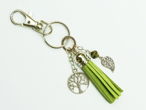 Schlüsselanhänger Taschenanhänger Baum Lebensbaum Glücksbringer Quaste grün - Handarbeit kaufen