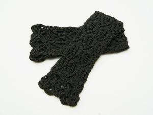 Armstulpen dunkelgrau Wolle Mischgarn handgestrickt Lochmuster  - Handarbeit kaufen