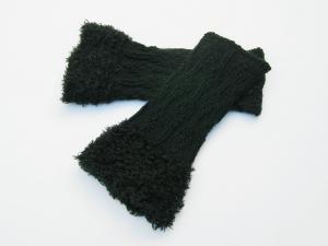 Armstulpen Pulswärmer schwarz  handgestrickt mit Kuschelrand Blumenmotiv - Handarbeit kaufen