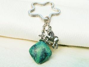 Schlüsselanhänger Einhorn Chrysokoll Edelstein türkis grün blau - Handarbeit kaufen